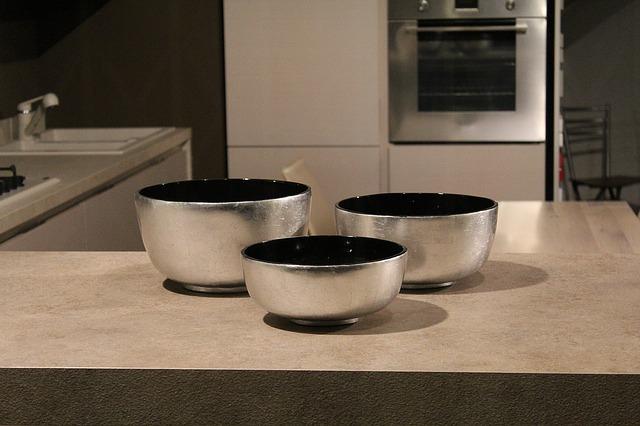 tři misky, kuchyně