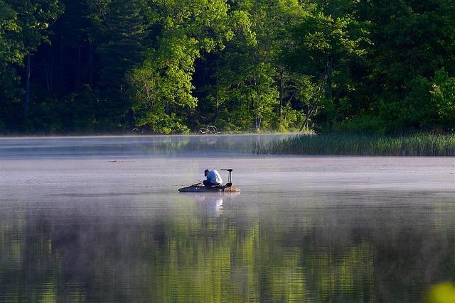 muž, voda, jezero, rybář