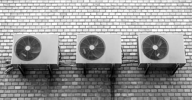 tři klimatizace