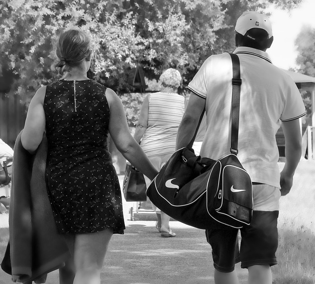 muž, žena, taška na cvičení