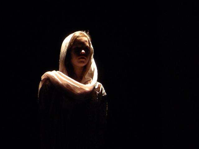 divadelní herečka
