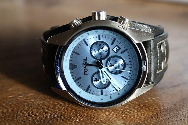 masivní hodinky