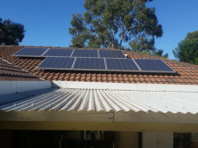 panel na střeše
