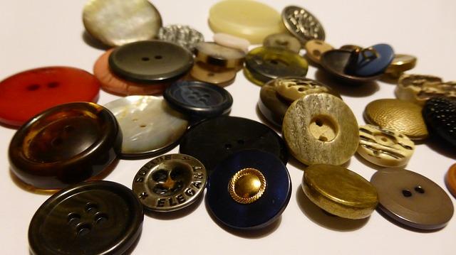 knoflíky – důležitá součást textilní galanterie