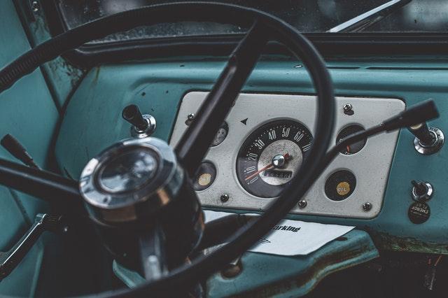 palubní deska vozu