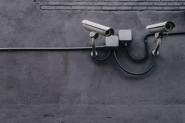 Kamery na budově