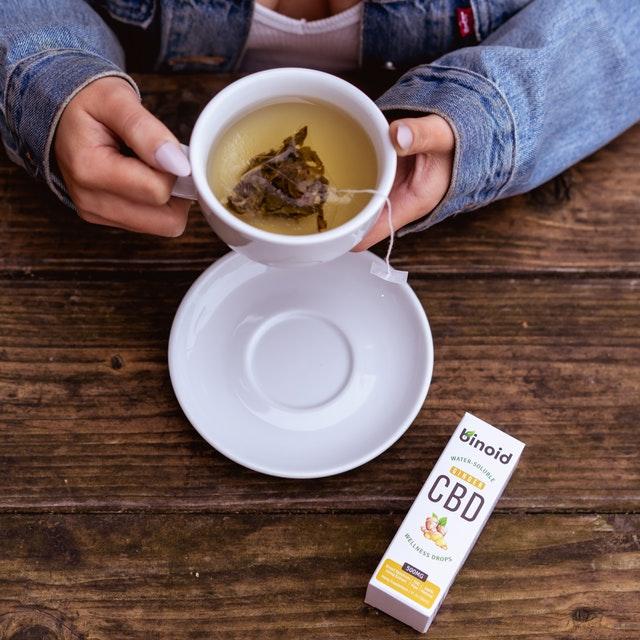 konopný čaj